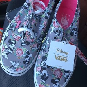 NWT/in box RARE Minnie Mouse Disney Vans